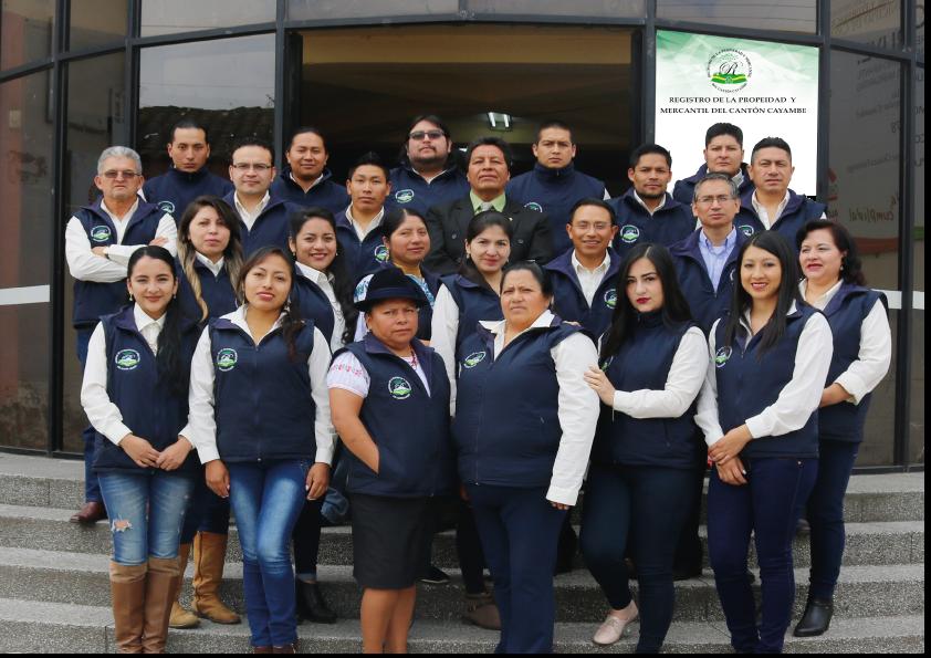 FUNCIONARIOS DEL REGISTRO DE LA PROPIEDAD Y MERCANTIL DEL CANTÓN CAYAMBE